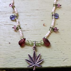 Jewelry - Sterling weed leaf flower necklace